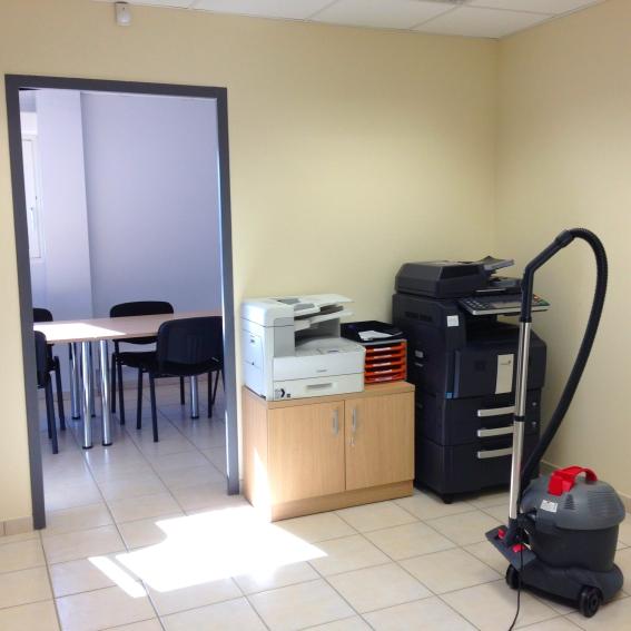 Entreprise de nettoyage à Meyzieu, Pusignan, nettoyage de bureau, Lavage de vitres, Entreprise nettoyage Meyzieu Rhône, Ain, Isère, Rhône-alpes - ACNET le Multiservice
