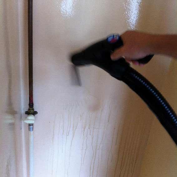 Dégraissage d'une cuisine au nettoyeur vapeur professionnel avant location - acnet