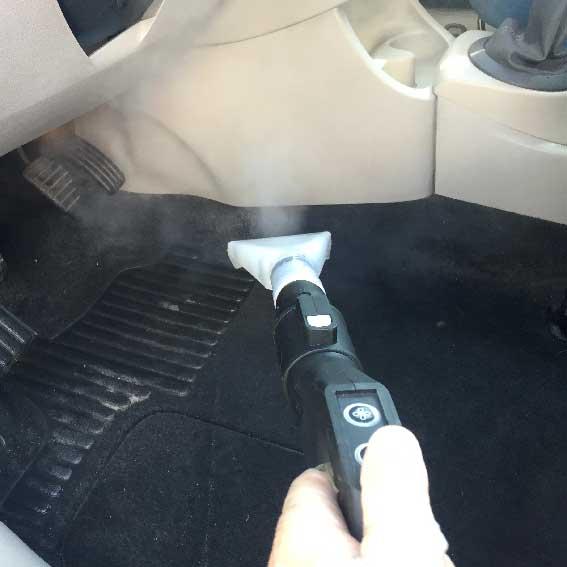 nettoyage automobile au nettoyeur aspirateur vapeur professionnel ACNET Le Multiservice