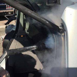 nettoyeur vapeur voiture - nettoyage vapeur seche automobile - Nettoyeur vapeur professionnel ACNET Le Multiservice Société de nettoyage Rhône-Alpes