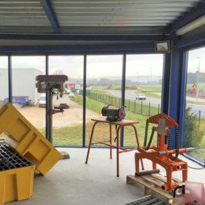 Lavage-de-vitres-lavage-nettoyage-verriere-en-hauteur-ACNET-Entreprise-de-nettoyage-Laveur-de-vitres-meyzieu-pusignan-rhone-ain-isere-rhone-alpes