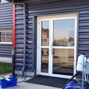 Lavage-de-vitres-lavage-porte-vitree-ACNET-Entreprise-de-nettoyage-Laveur-de-vitres-meyzieu-pusignan-rhone-ain-isere-rhone-alpes